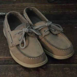 Sperry Deck shoes size 8.5M. Lots of life left!